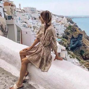 Dresses & Skirts - Beautiful Floral Bohemian vintage dress 🌺